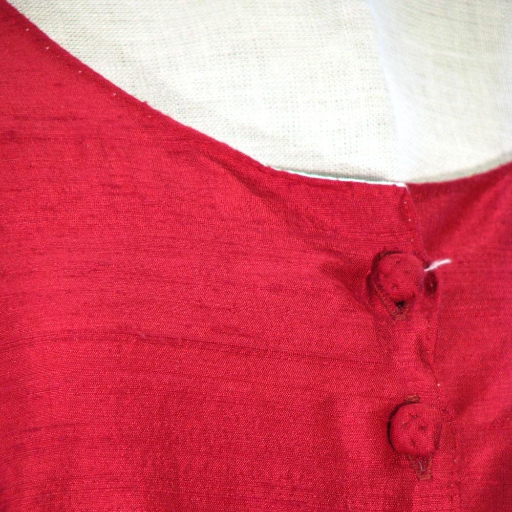 1286f6386e09 Senmedeltida Klänningar : Senmedeltida sidenklänning strl S