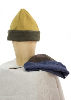 Medieval acorn hat in wool
