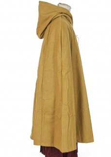 Cloak in mustard yellow wool