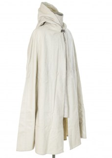 Cloak in white wool