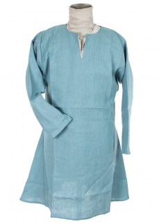 Kirtle in pale blue linen