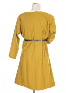 Kirtle in solid yellow diamond twill