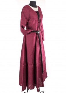 medieval-dress-tyra-in-burgunedy-linen-2