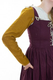Woolen sleeves for 15th Century dress in tawny yellow twill